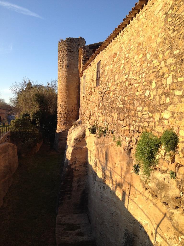 muralla i fossat Peratallada